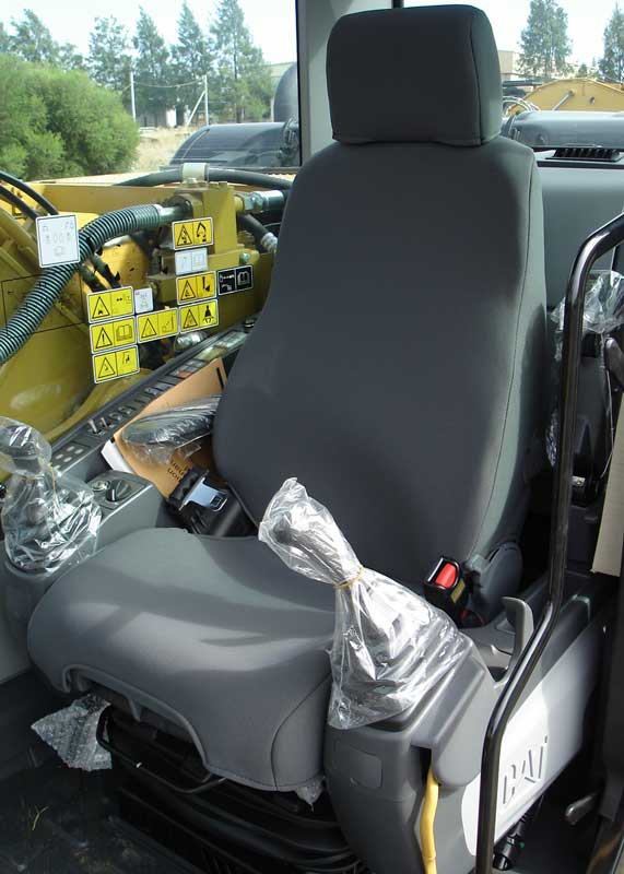 Ruffnuts seat cover for cat excavator